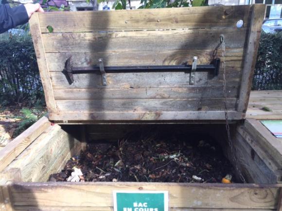 Composting in Paris. Niamh Tixier.