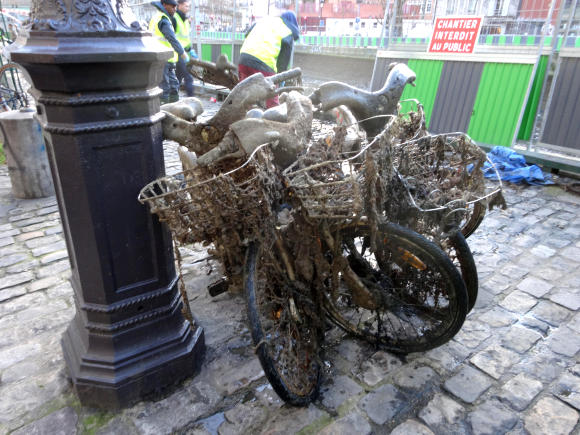Bicycle graveyard St Martin-GLK-35