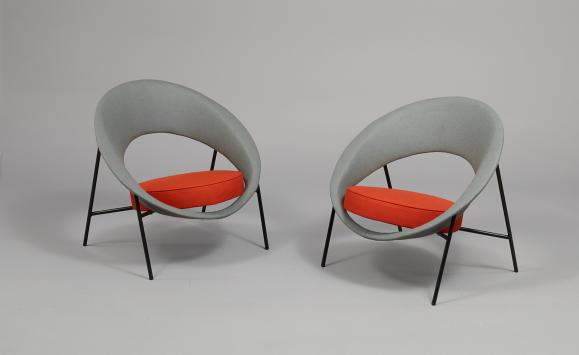Dangles Defrance Saturne armchair, designed for Burov, 1957. Courtesy Galerie Pascal Cuisinier.