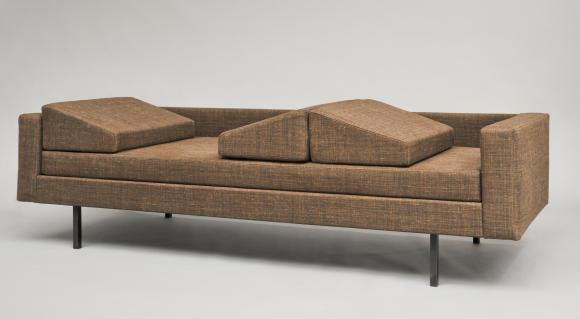 Jean-André Motte sofa. Courtesy Galerie Pascal Cuisinier.