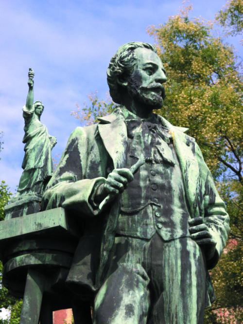 Statue of Bartholdi creating the Statue of Liberty. Photo Christian Kempf.