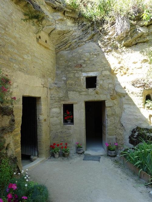 FR10-Rochemenier troglodyte village-GLK