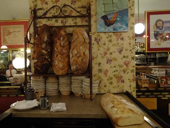 Loaves of bread at La Poule au Pot.