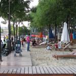 Waterfront hoofin' in Paris